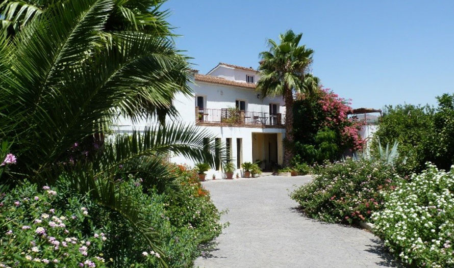 what are homes like in spain international removals compare