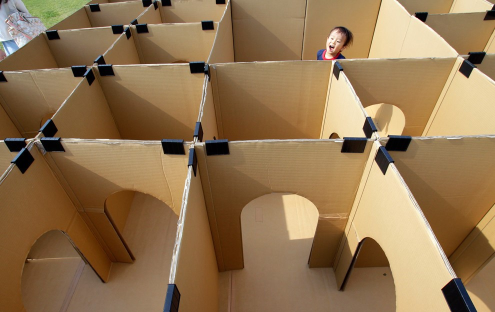 Packing boxes maze